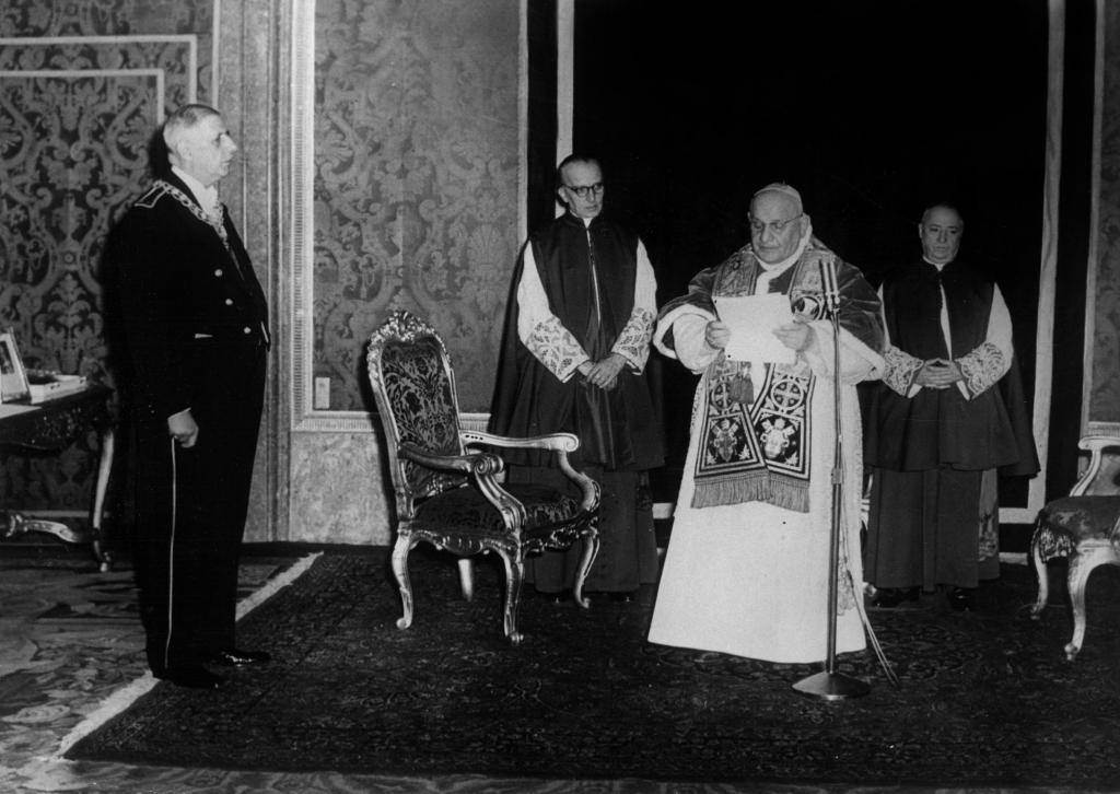 Le pape Jean XXIII reçoit le général Charles de Gaulle au Vatican le 28 juin 1959. ©©AGIP/FARABOLA/RUE DES ARCHIVES